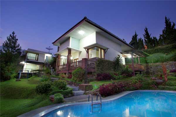 Hotels near Taman Safari Cisarua, Puncak - BEST HOTEL