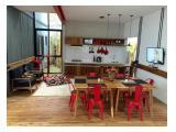 ruang keluarga .. meja makan .. dapur pantry