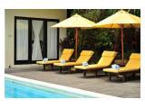 pool deck untuk tempat berjemur sehabis berenang